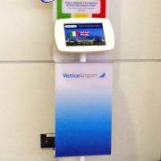 crowner-porta-ipad-aeroporto-di-venezia